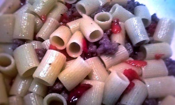 Mezze Maniche Salsicce e Peperoni