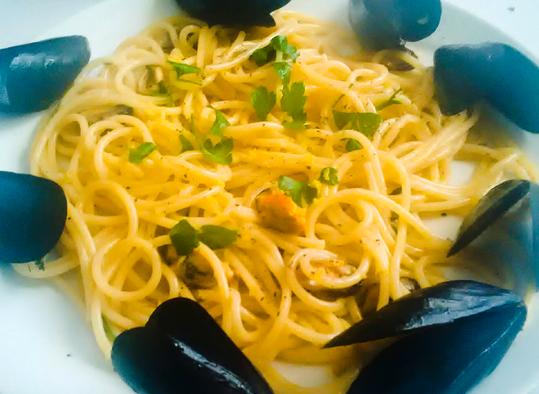Spaghetti Con Cozze e Limone