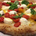 Pizza pomodori pachino e mozzarella di bufala