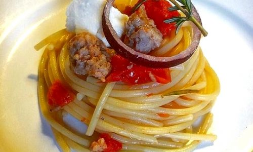 Spaghetti pachino e salsiccia