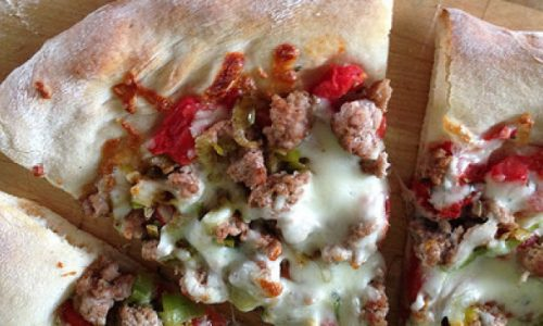 Pizza Salsicce,Peperoni e Provola