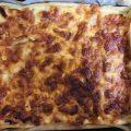 Pasta sfoglia farcita alla mousse di ricotta e uovo, con prosciutto cotto e provola fresca