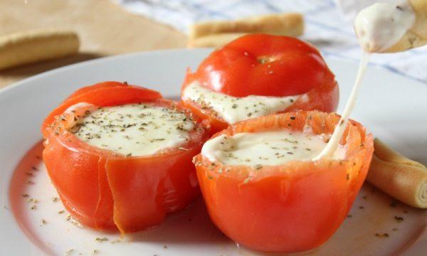 Pomodori Ripieni di Formaggio filante