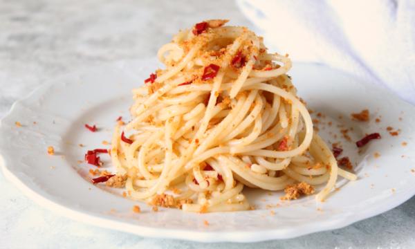 Spaghetti Aglio Olio e Peperoncino con Pangrattato aromatico
