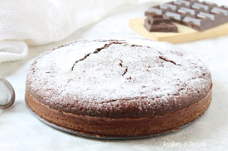 torta al cioccolato e yogurt con farina di farro