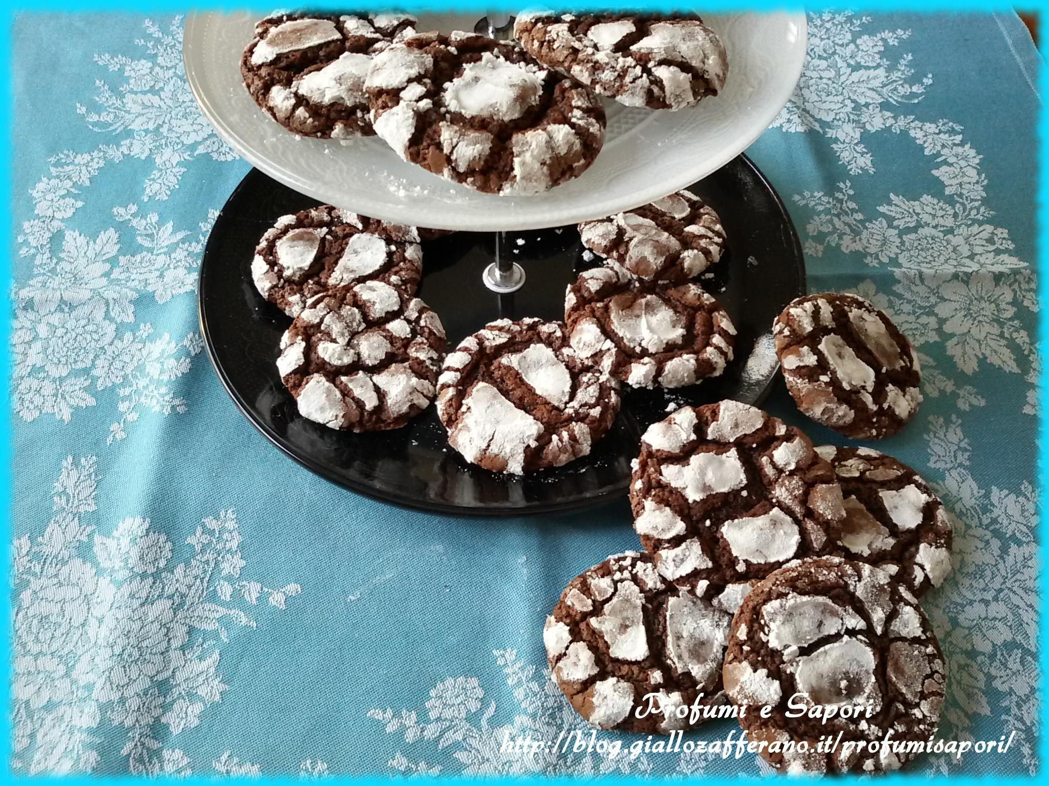 CHOCOLATE CRINKLES (biscotti morbidi al cioccolato)