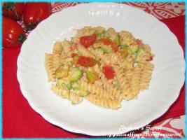 pasta zucchine, pomodoro fresco e philadelphia