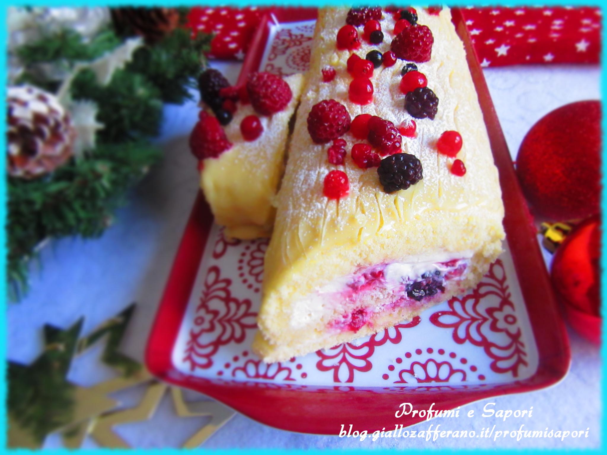 Ricetta Tronchetto Di Natale Al Cioccolato Bianco.Tronchetto Di Natale Al Cioccolato Bianco E Frutti Di Bosco