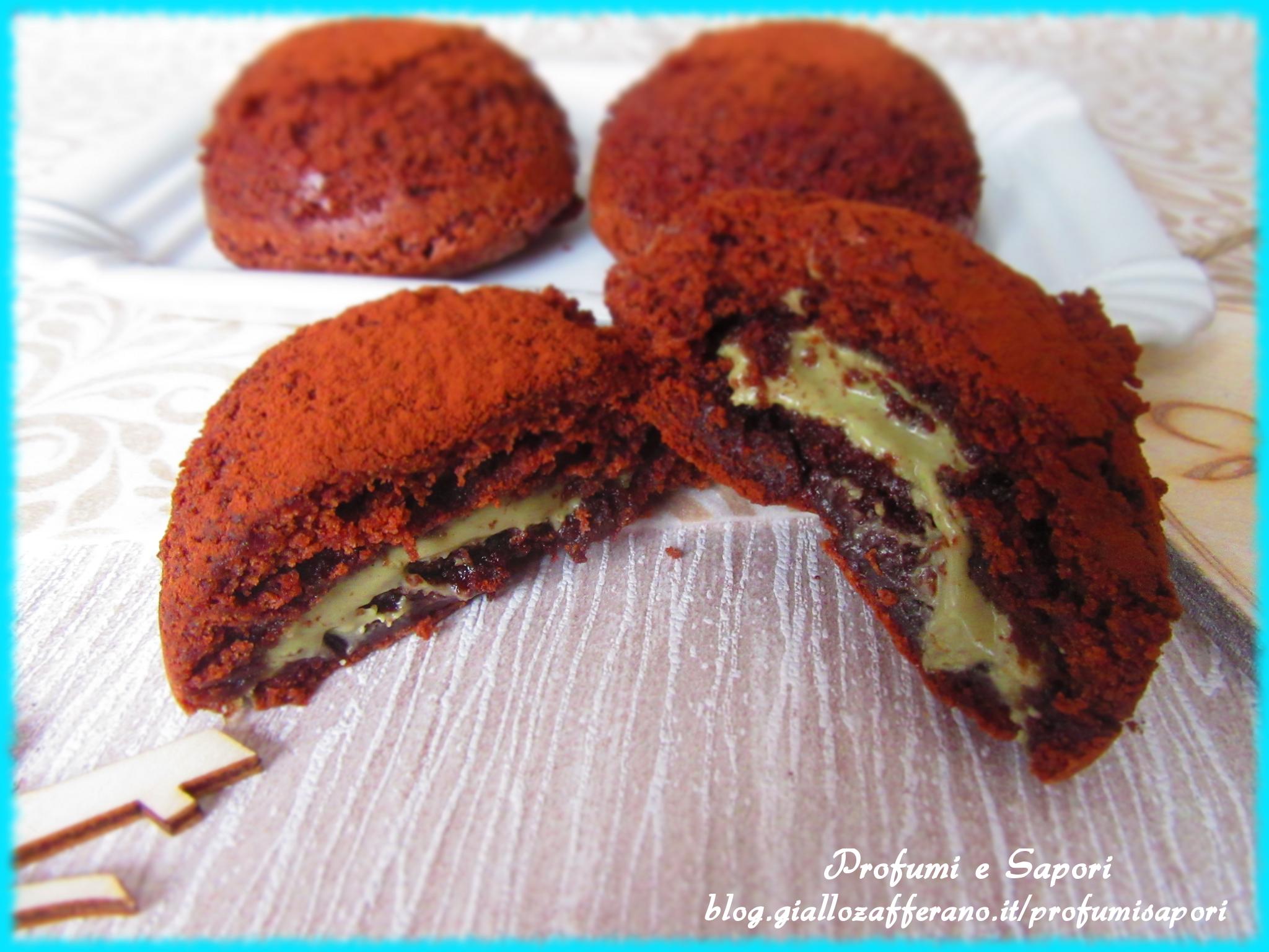 tortini al cioccolato con cuore al pistacchio