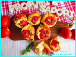 muffin salati con prosciutto, formaggio e pomodorini