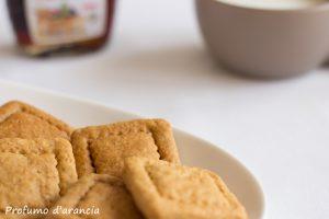 Biscotti secchi con sciroppo d'acero