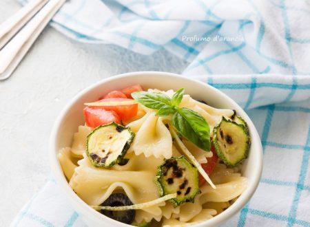 Pasta fredda con zucchine e limone