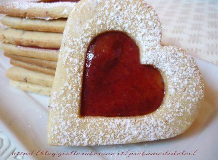 Biscotti con farina di nocciole e marmellata