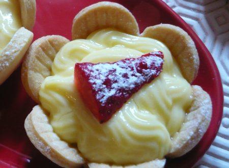 Cestini alla crema pasticcera e fragole