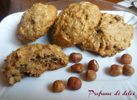 Biscotti integrali all'avena e nocciole
