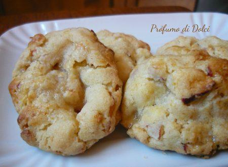 Biscotti alle mele essiccate e caramello