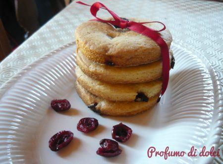 Biscotti all'olio e frutti rossi essicati