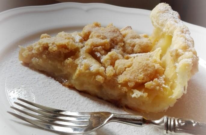 Torta di mele con crumble alle mandorle