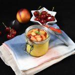 Panna cotta alla curcuma con frutta caramellata