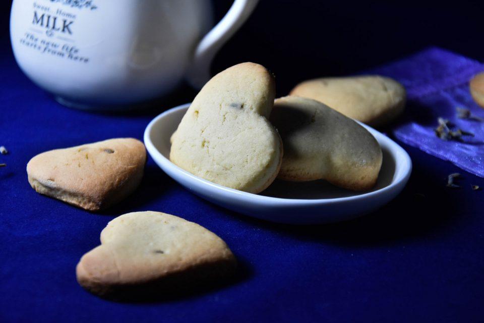 La foto finale dei nostri profumatissimi biscotti alla lavanda