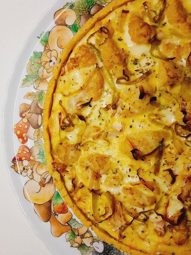 tarte di mais con mix di formaggi e cavolfiore