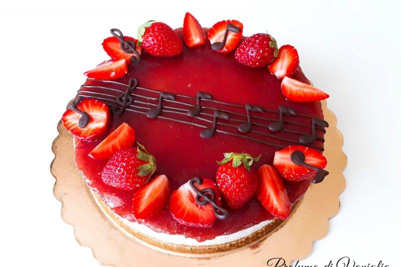 Cheesecake alle FRAGOLE, fresca e cremosa