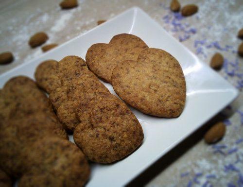 Biscotti con nocciole, mandorle e cioccolato