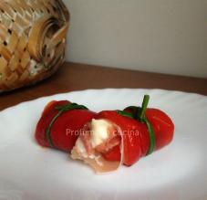 Involtini di peperoni con prosciutto crudo e stracchino