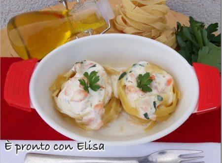 Ricetta veloce di Pasta con salmone e panna