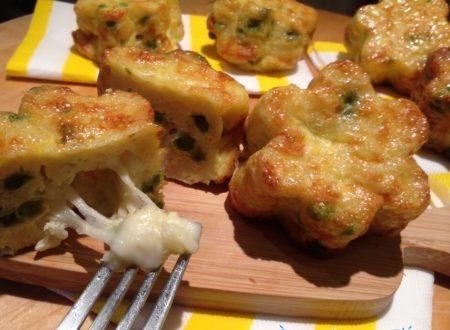 Muffin di frittata di pasta piselli e mozzarella