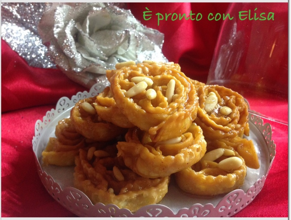 Cartellate o Carteddhate leccesi|ricetta tradizionale