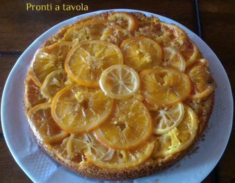Torta rovesciata agrumi, zenzero e curcuma