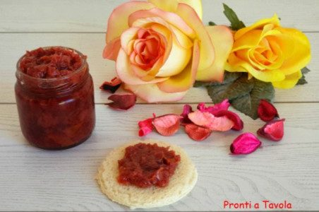 Confettura alle rose