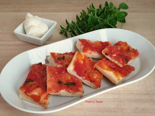 Pizza napoletana veloce senza lievito
