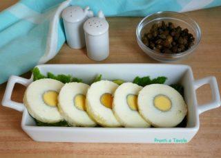 Rotolo di uovo sodo