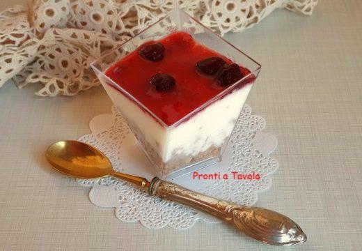Simil cheesecake alla ricotta e ciliegie