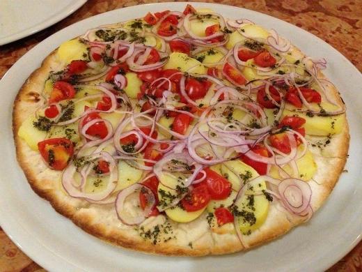 Pizza Rustica con Patate e Cipolla Rossa