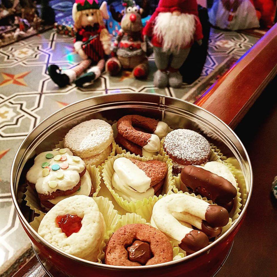 Scatola Latta Biscotti Natale.Scatola Biscotti Di Natale Pronti Si Mangia