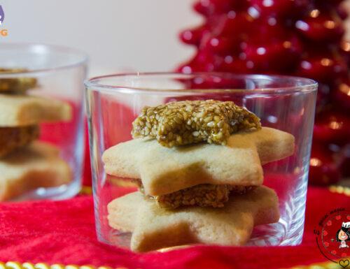 Stelle di torrone al sesamo e biscotti alla cannella