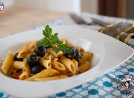 Pasta tonno pomodoro e olive