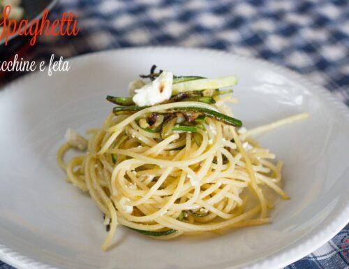 Spaghetti zucchine e feta