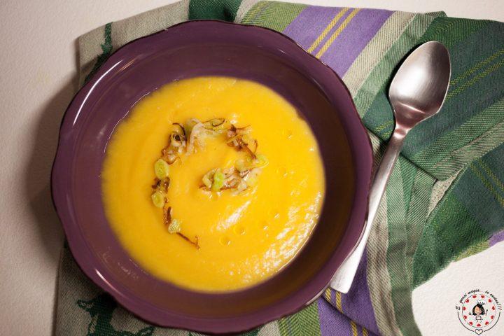 Crema di zucca patate e porro croccante
