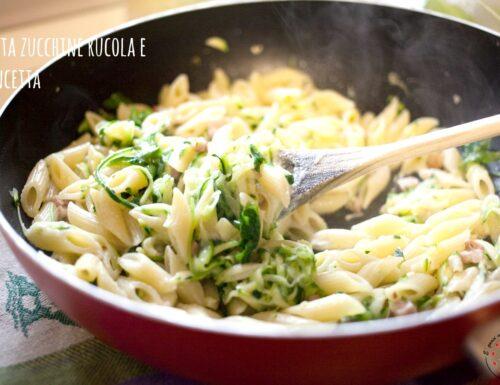 Pasta zucchine rucola e pancetta