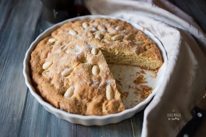 Torta Biscottata con Frutta Secca
