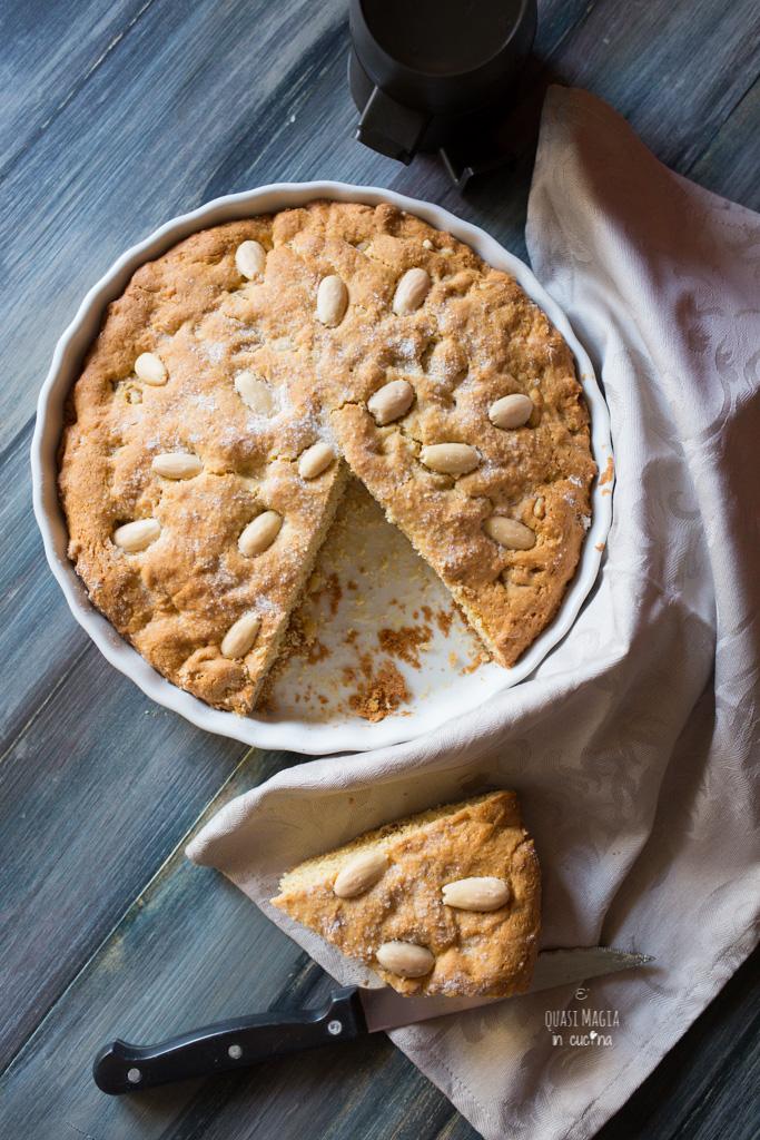 torta biscotto con frutta secca