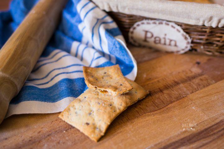 ricetta crackers croccanti ai semi