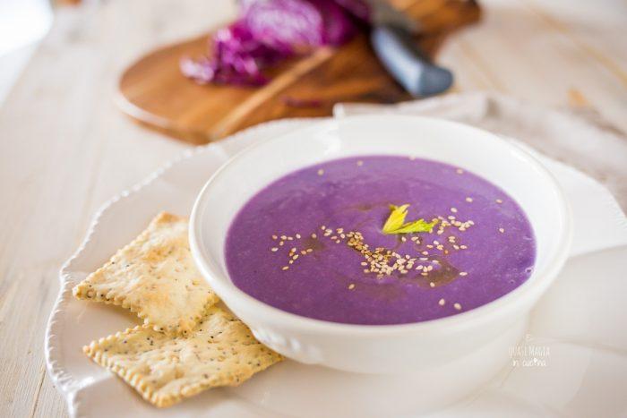 vellutata di cavolo viola e patate