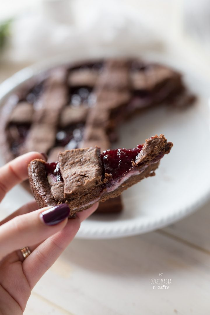 crostata al cacao con marmellata e ricotta