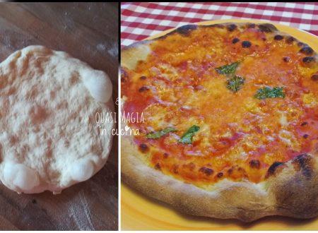Pizza con un grammo di lievito, lievitazione lenta