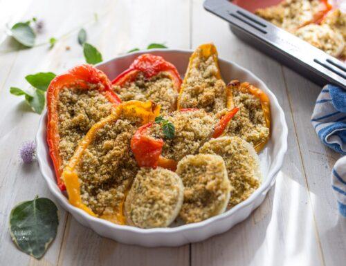 Peperoni gratinati al forno con pangrattato